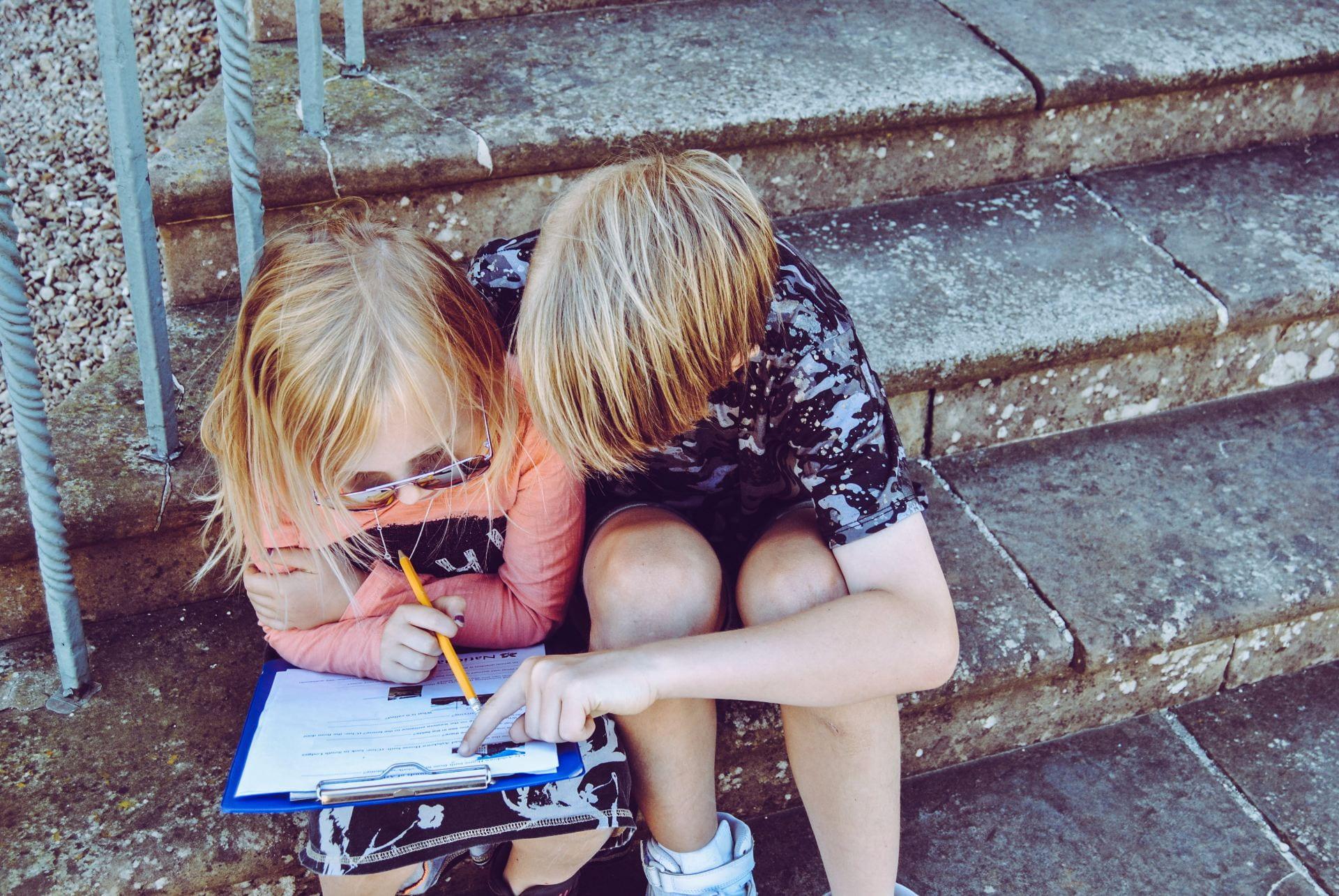 lapset portailla